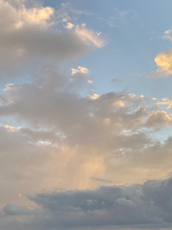 嵐の後の夕暮れ.jpg
